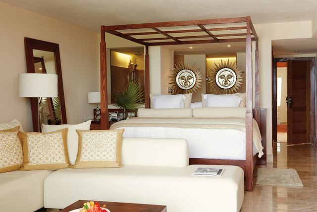 Excellence Playa Mujeres honeymoon review, Excellence Playa Mujeres reviews, best destination honeymoon
