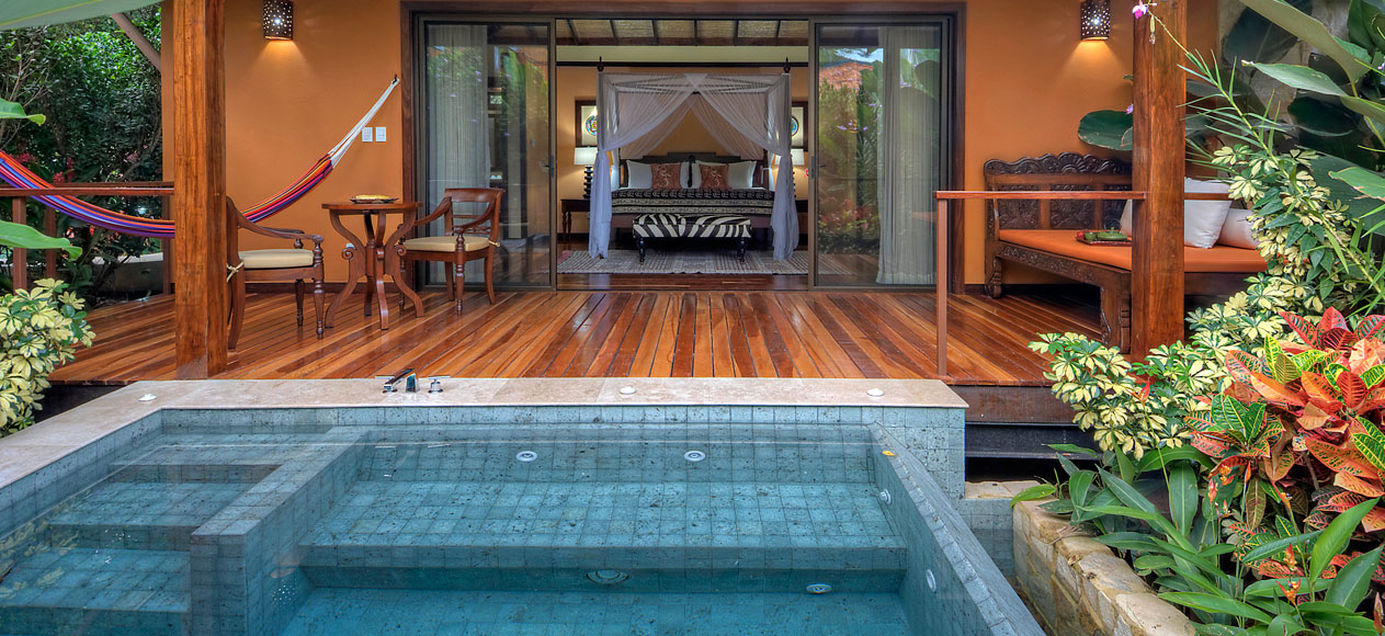 best plunge pools for honeymoons, best honeymoon plunge pools, top resort plunge pools