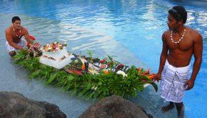 Tahiti honeymoon food service